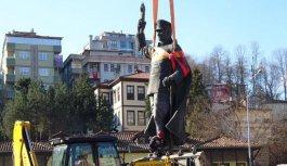 Rize'de Atatürk heykeli kaldırıldı!