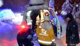 Trabzon'da kar paletli ambulanslar hayat kurtarıyor