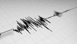 4.2 büyüklüğünde depremle sallandılar