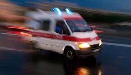Kamyonette sıkışan 2 kişiyi AFAD kurtardı