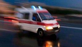 Yolcu otobüsü ile kamyon çarpıştı: 11 yaralı