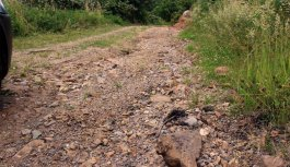 Trabzon'da 2 km'lik yol kriz çıkardı