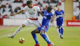 Antalyaspor Karabükspor'u mağlup etti