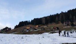 Kardan Adam festivali için kar yağmasını bekliyorlar