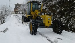 Akçaabat'ta karla mücadele