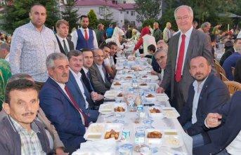 Başkan Gümrükçüoğlu Tonyalılar'la iftar...