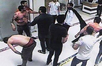 Doktora saldırı kamerada - Yüzüne tekme attı