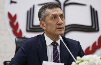 Milli Eğitim Bakanı Ziya Seçuk açıklamalarda...