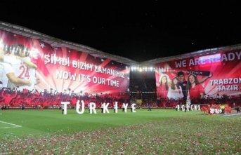 Trabzon'daki taraftarlar Rus futbolcuları böyle...