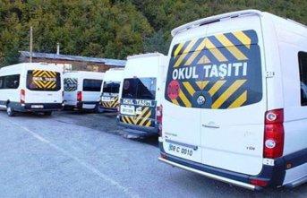 Öğrenci servisi devrildi: 20 yaralı