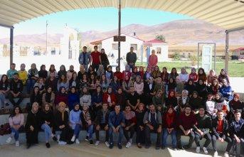 Üniversiteliler, Kenan Yavuz Kültür Evi'nde!