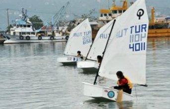 Trabzon'da Yelkenciler sorunlarını anlattı