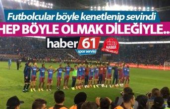 Trabzonsporlu futbolcular galibiyete böyle sevindi
