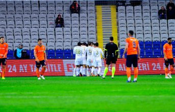 Eski Trabzonsporlu Başakşehir'i yıktı