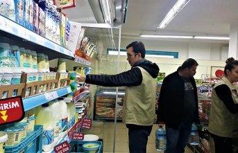 Marketlerde gıda denetimi devam ediyor