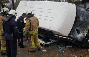 Servis minibüsü kaza yaptı! Çok sayıda yaralı...