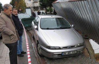 Maltepe'de kaldırım çöktü!