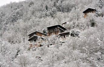 Trabzon'da o bölgeler de kar yağışı yok!