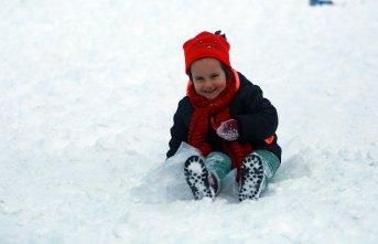 Ayder beyaza büründü; kar eğlenceleri başladı