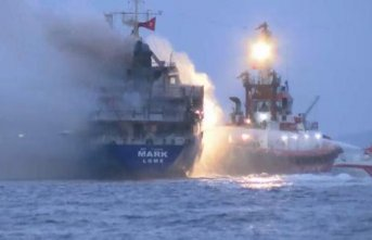 İstanbul'da yük gemisinde yangın!