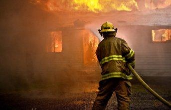 Rize'de maddi hasarlı yangın