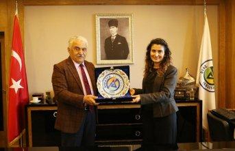 Başkonsolos Koçak'tan Avrasya Üniversitesine ziyaret
