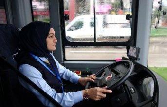 Bursa'nın ilk kadın otobüs şoförü: Yapamayacağımız meslek yok