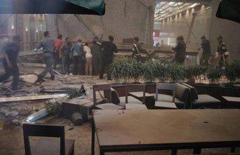 Nijerya'da çöken binada kurtarma çalışmaları...
