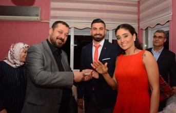Kayserisporlu Muammer basketbolcu Dila ile nişanlandı