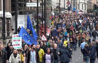 İngiltere'de halktan Brexit yürüyüşü
