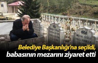Belediye Başkanlığı'na seçildi, babasının mezarını ziyaret etti