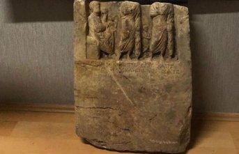 2 bin yıllık heykel ele geçirildi; 4 gözaltı