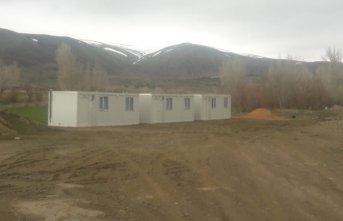 Evleri hasar gören aileler konteyner evlere yerleştirildi!