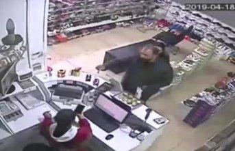Karı-koca mağazayı dolandırdı!