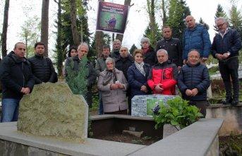 Ahmet Kayacık mezarı başında anıldı