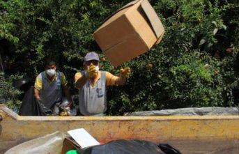 Aynı evden 5. kez 2 kamyonet çöp çıkarıldı