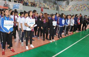 Gençler Futsal Türkiye Birinciliği müsabakaları Trabzon'da başladı