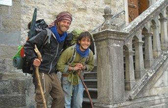 İtalya'dan yürüyerek Çin'e gidiyor
