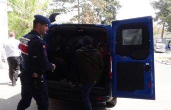 25 kaçak göçmen yakalandı!