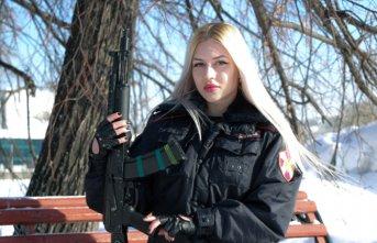 Rusya'da muhafız biriminin en güzel kadın...