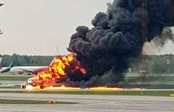 Rusya'daki uçak yangınında ölü sayısı...