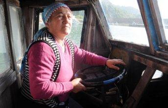Rizeli Havva Latifoğlu, balıkçılık yaparak geçimini...