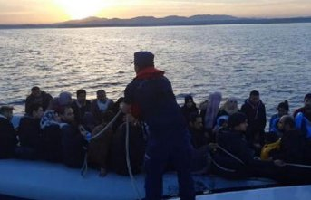 Didim açıklarında 72 kaçak göçmen yakalandı