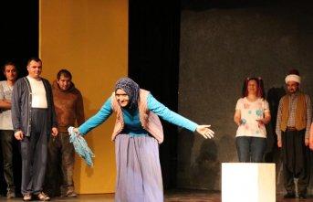 Ruh sağlığı tedavisi gören hastalardan tiyatro gösterisi