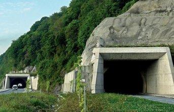 Rize Çayeli tünelinde çalışma