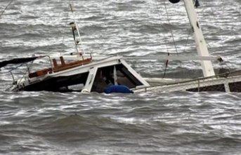 Futbolcu ve taraftarları taşıyan tekne battı: 30 ölü