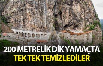 Sümela Manastırı'nda 200 metre dik yamaçta tek tek temizlediler