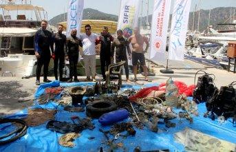 Fethiye'de deniz dibi temizliği