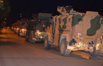 Gece sınıra askeri sevkiyat