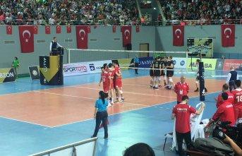 Türkiye Voleybol Milli Takımı Trabzon'da kazandı